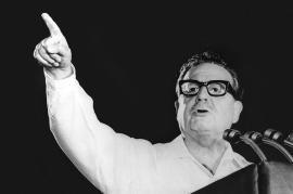 Salvador Allende durante un discorso (foto di Jaime d'Urgell)