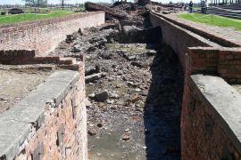 Auschwitz-Birkenau, ingresso al forno crematorio II (foto di Pimke)
