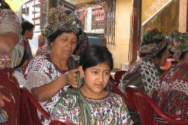 Scena di vita tra i Maya Ixil (foto di AmaretoCR)