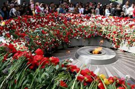 Memoriale per il genocidio armeno alla Collina delle Rondini di Yerevan (foto di Global Voices Online)