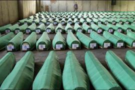 Le bare delle vittime di Srebrenica