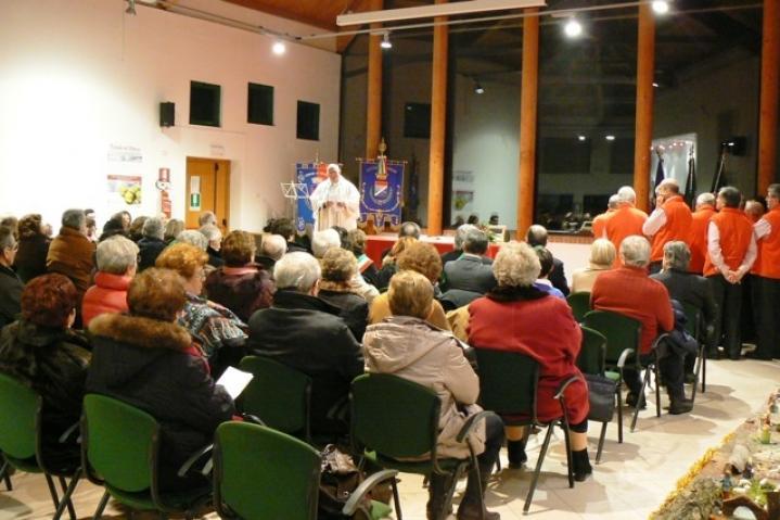 Il coro durante la cerimonia d'inaugurazione  il 19 dicembre 2010
