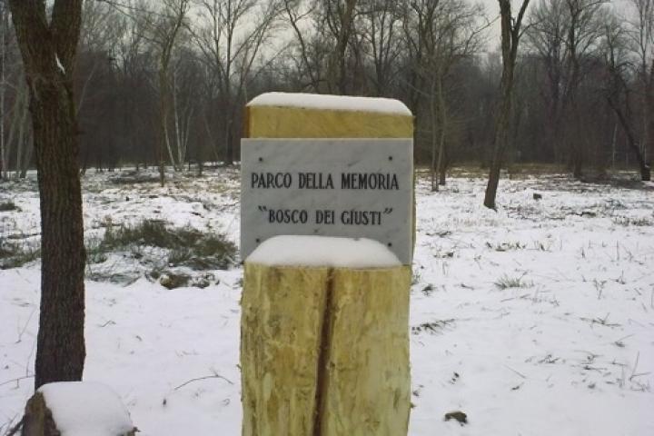 L'ingresso del Parco della Memoria-Bosco dei Giusti