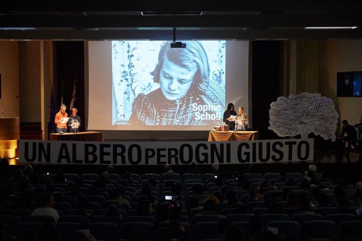 I ragazzi raccontano la figura di Sophie Scholl, che sfidò il nazismo