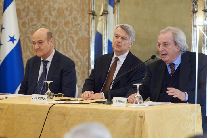 Gabriele Nissim, presidente Gariwo, Ferruccio de Bortoli, direttore Corriere della Sera e Antonio Ferrari, editorialista Corriere della Sera