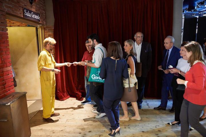 Il foyer del Teatro Franco Parenti di Milano