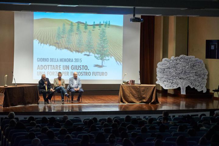 Sul palco, Pietro Kuciukian, Paolo Kessisoglu e Gabriele Nissim