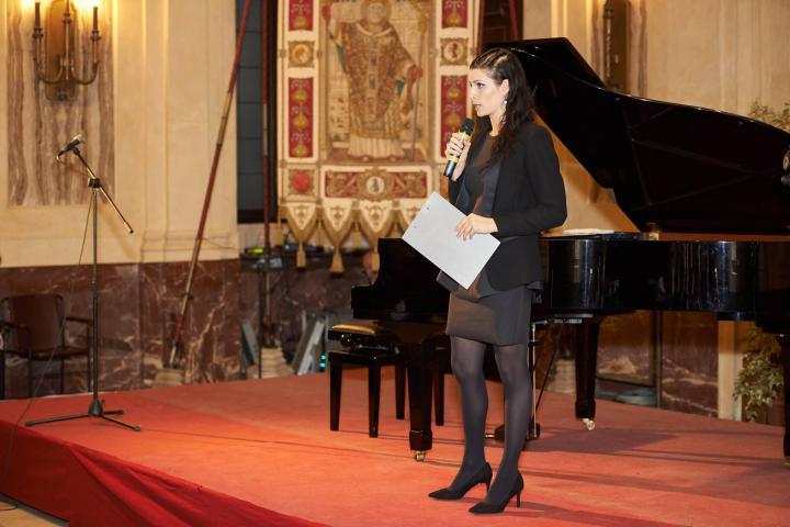La presentatrice Alice Farella