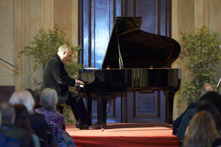 """Il 6 marzo, concerto """"Un pianoforte per i Giusti"""" del Maestro Gaetano Liguori a Palazzo Marino"""