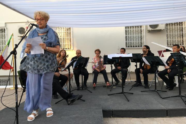 La direttrice di Gariwo Ulianova Radice legge le parole di Faiza Abdul Wahab dedicate al padre Khaled
