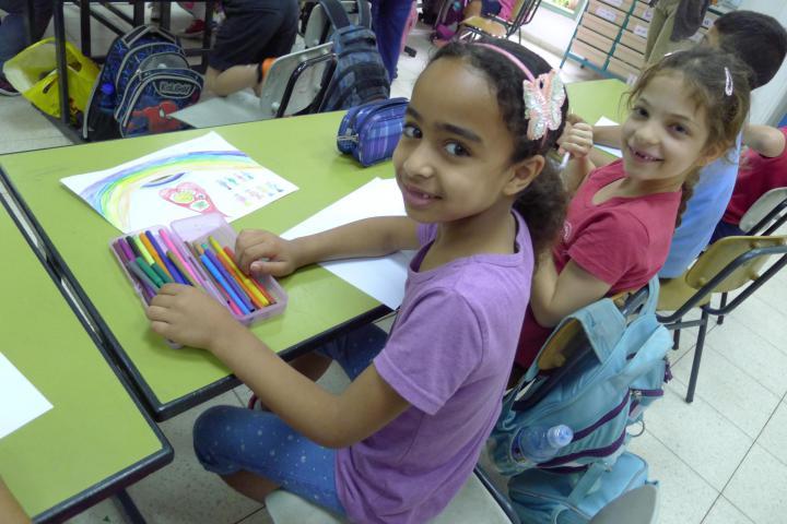 Scuola primaria, due bambine
