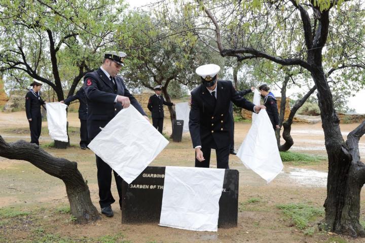 La Guardia Costiera scopre i cippi