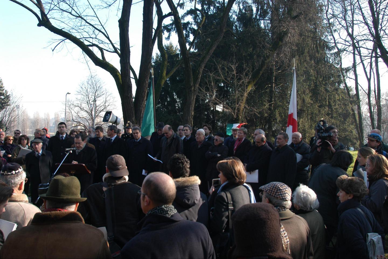 2003 - Inaugurazione del Giardino dei Giusti di tutto il mondo di Milano, al Monte Stella