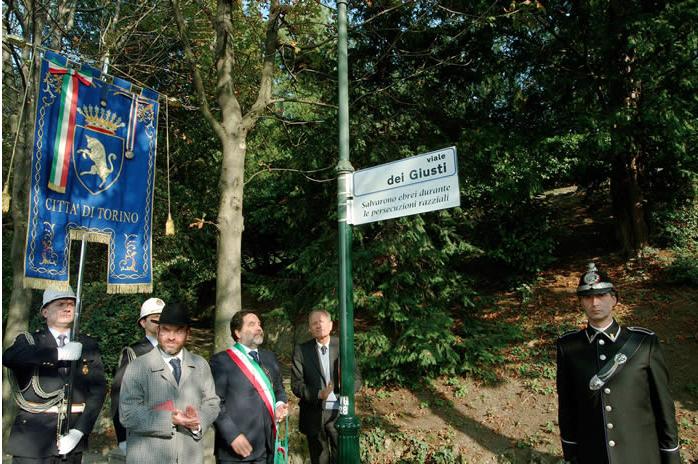 Da sinistra: il Rabbino Somekh, il Consigliere Filippo Castronuovo e il Presidente della comunità ebraica torinese Tullio Levi