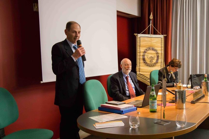 Da sinistra: Sandro Marianella, Presidente Clarus Club Legnago, dott. Bruno Carmi, Presidente comunità ebraica di Verona e Vicenza, Margherita Ferrari, ricercatrice