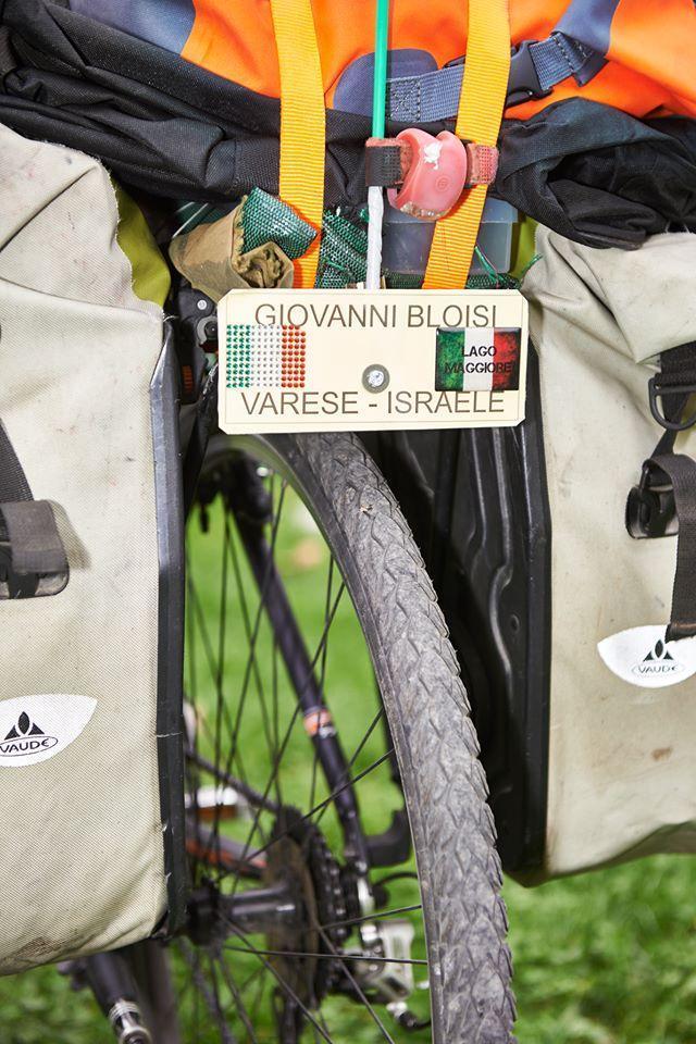La targa Varese-Israele sulla bicicletta di Giovanni Bloisi