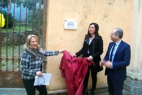 Da sinistra: l'Assessore alle pari opportunità Graziella Astorino, l'Assessore al decoro urbano Elisa Gullo e il Sindaco Paolo Mascaro