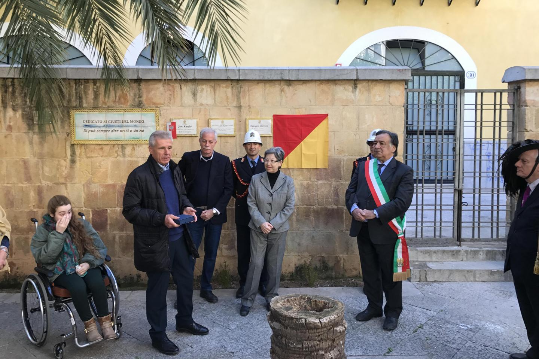 Il figlio di Giorgio Perlasca, Francesco, con il sindaco di Palermo, la cittadinanza e le istituzioni