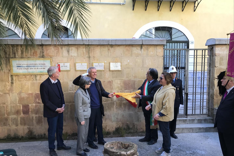 Francesco Perlasca svela la targa dedicata al padre Giorgio