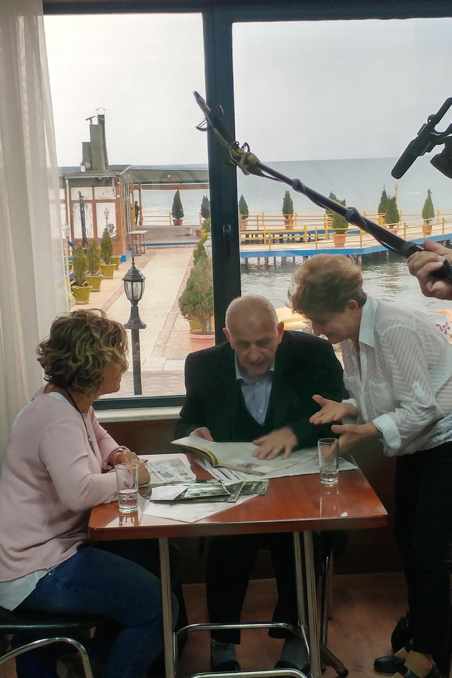 """La vita di Esther sarà raccontata da un documentario intitolato """"Just in Time""""; ecco una immagine durante le riprese"""