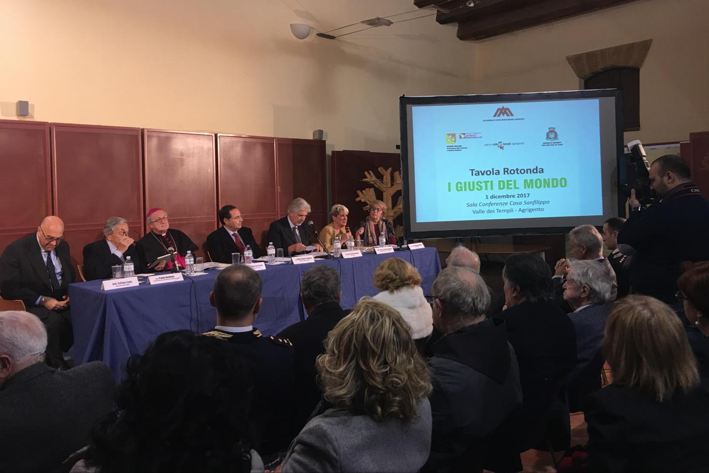 l'intervento della giornalista Maria Cecilia Sangiorgi alla Tavola Rotonda