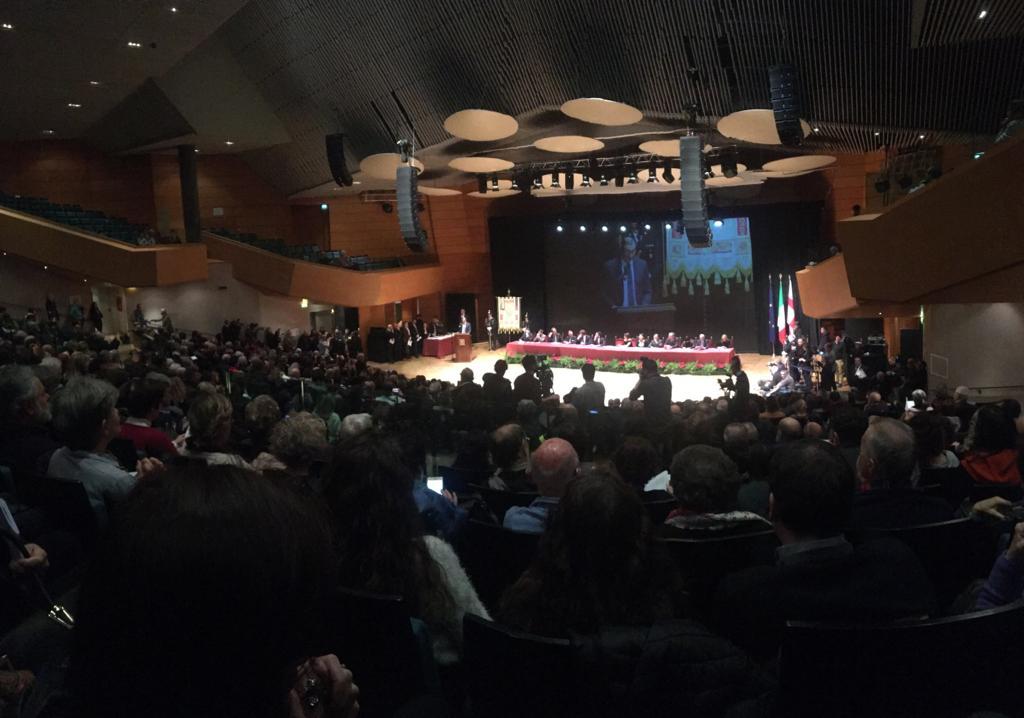 La cerimonia al Teatro Dal Verme di Milano