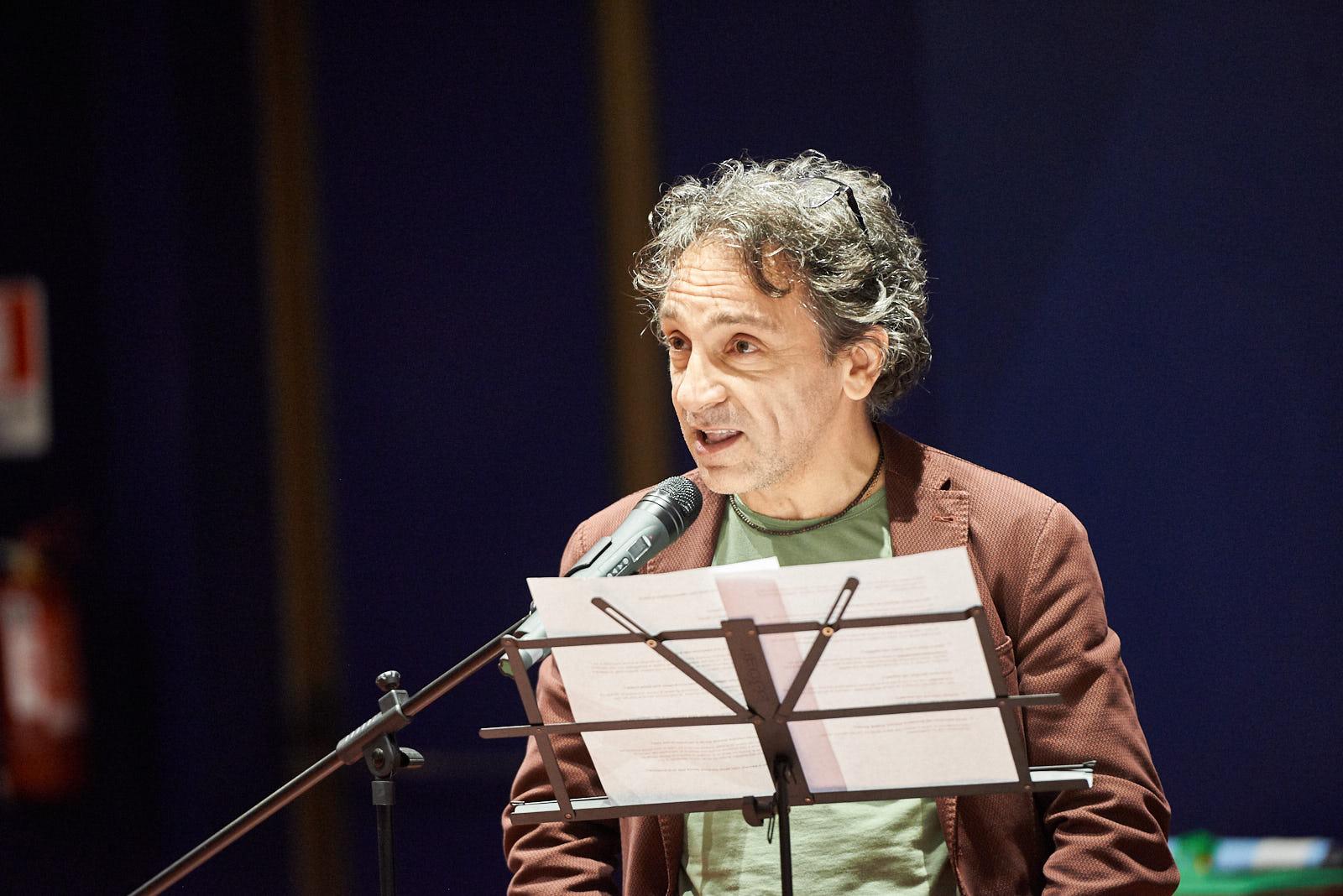 l'attore Massimiliano Speziani