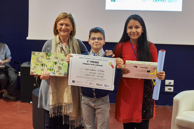 Franca Schiavon premia la V A dell'Istituto Cadorna di Milano
