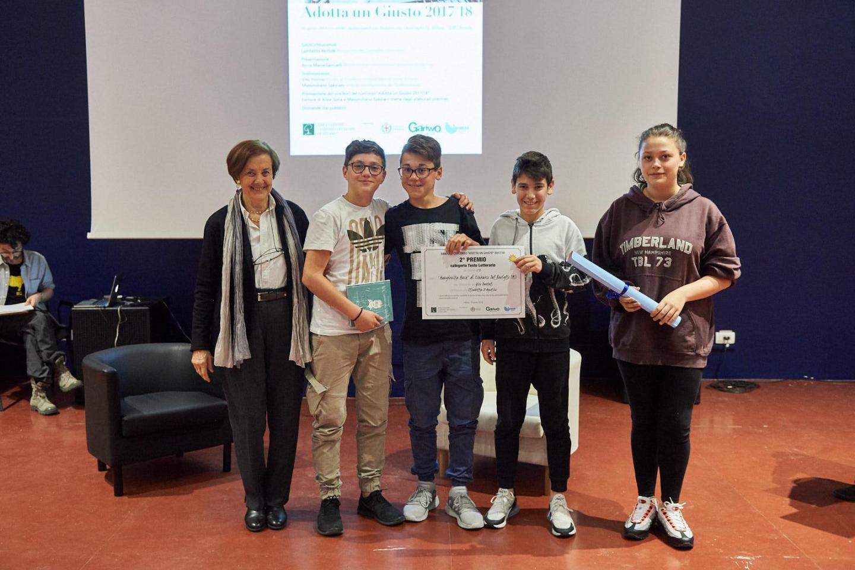 Anna Maria Samuelli premia la II B dell'I. C. Margherita Hack di Cernusco S/N