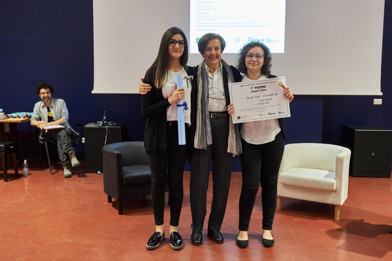 Anna Maria Samuelli premia la III C dell'I.C. Rogasi di Pozzallo (RG)