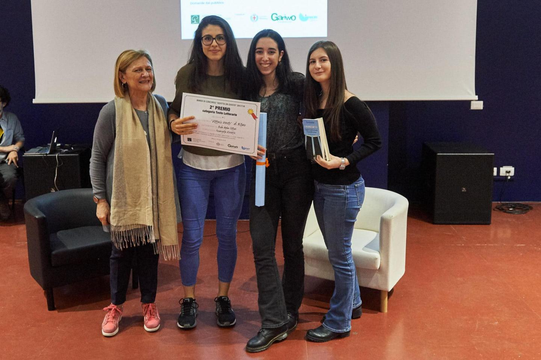 Franca Schiavon premia la IV I del liceo scientifico Vittorio Veneto di Milano
