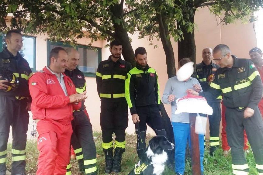 la cerimonia per l'albero dei Vigili del fuoco al Giardino di Falconara