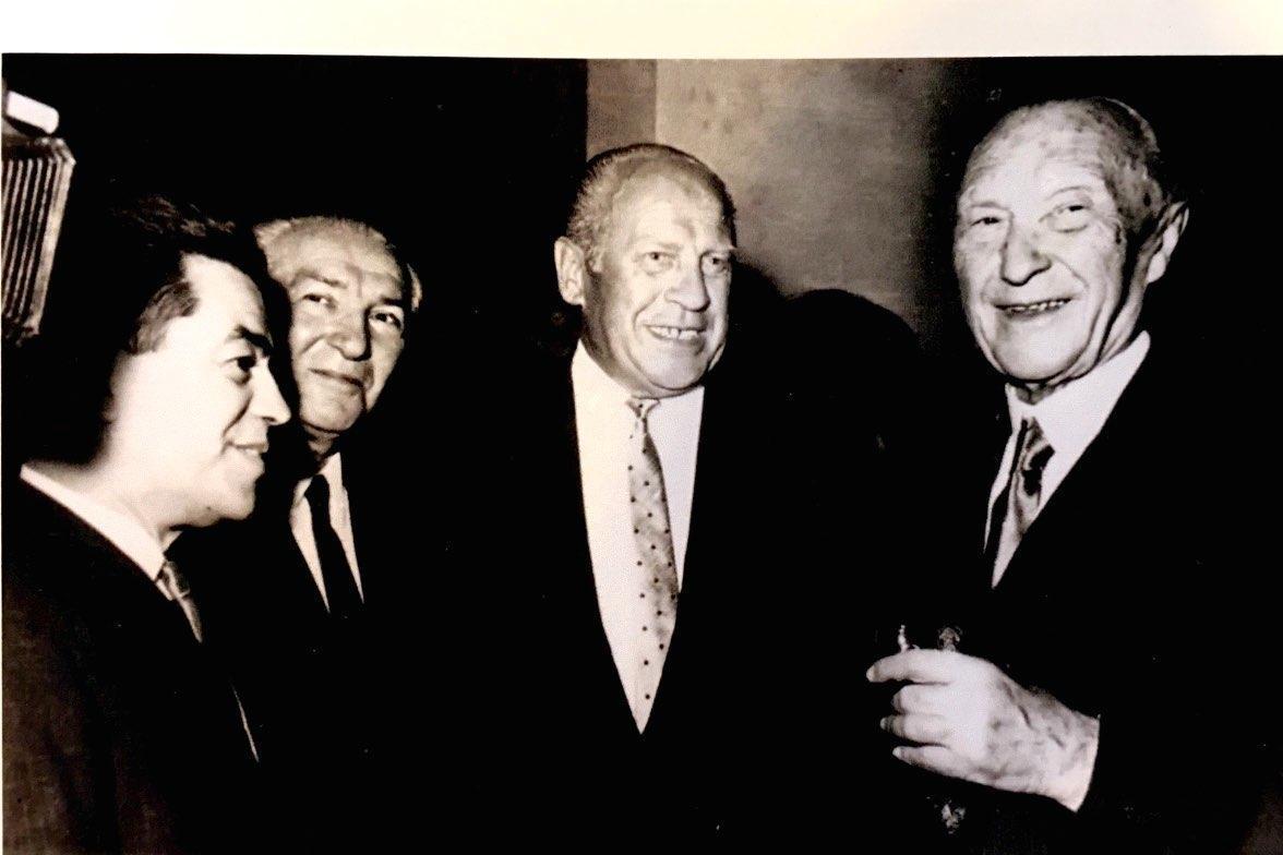 Con Oskar Schindler e il Cancelliere tedesco Konrad Adenauer