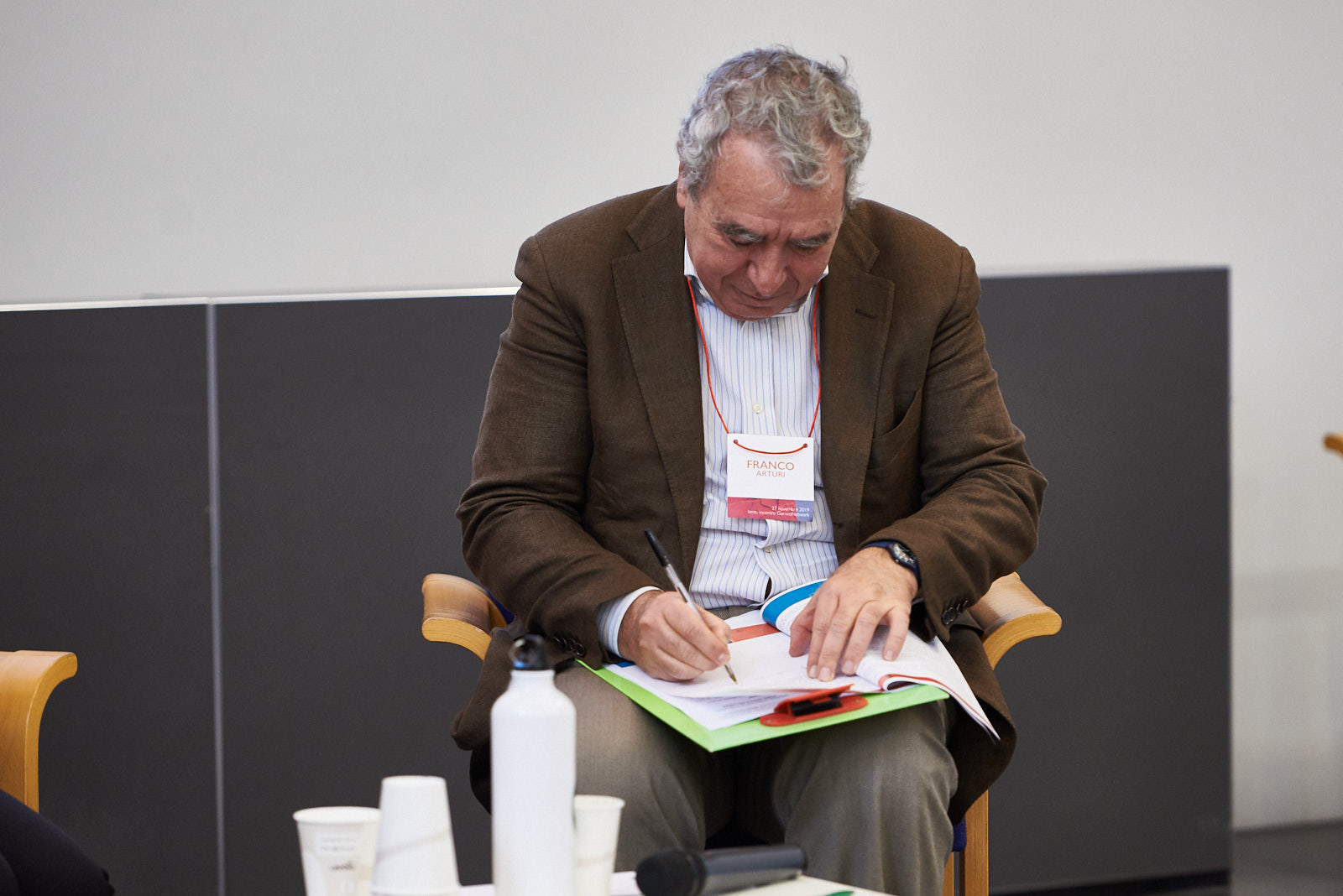Franco Arturi firma la Carta dello sport