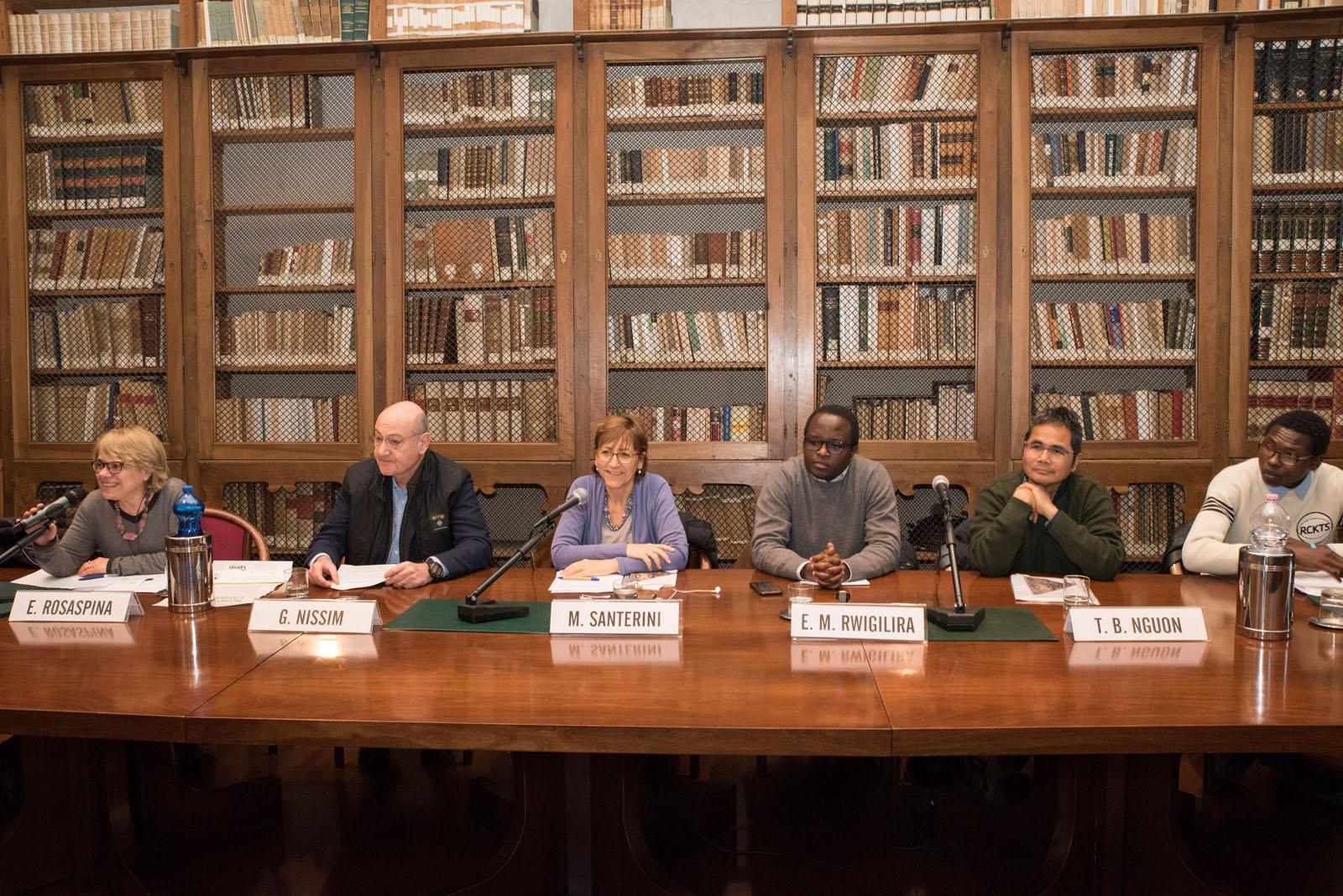 con Elisabetta Rosaspina, Milena Santerini, Gabriele Nissim, Eugène Muhire Rwigilira, Tho Bovannrith Nguon, Abbas Ismail Mohamed