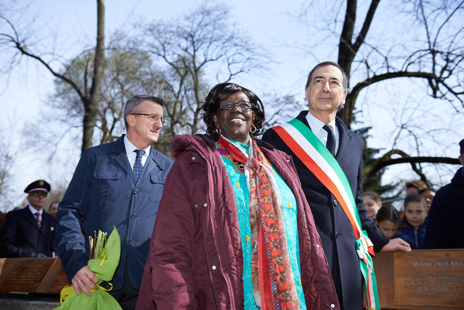 Rahab Wanjiru Mwatha con Giuseppe Sala