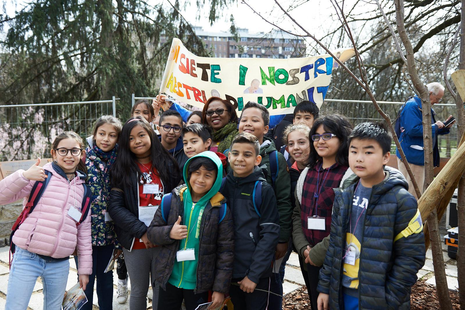 Gli studenti con Christine Amisi