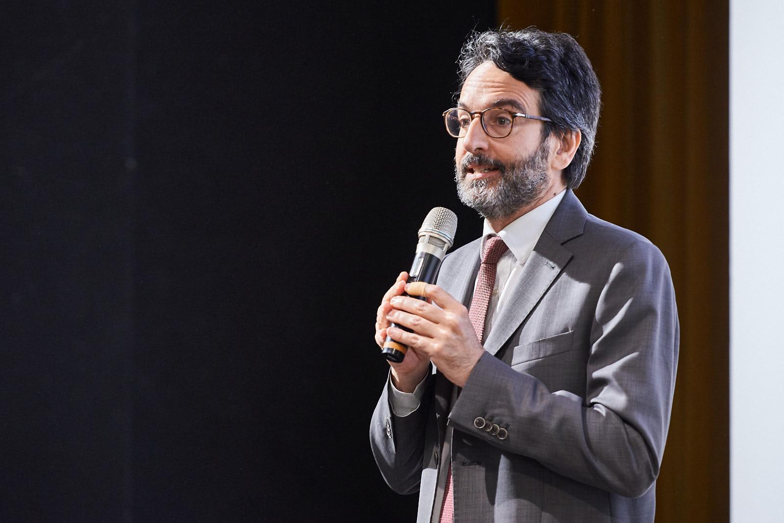 I saluti di Lamberto Bertolé, presidente del Consiglio comunale di Milano