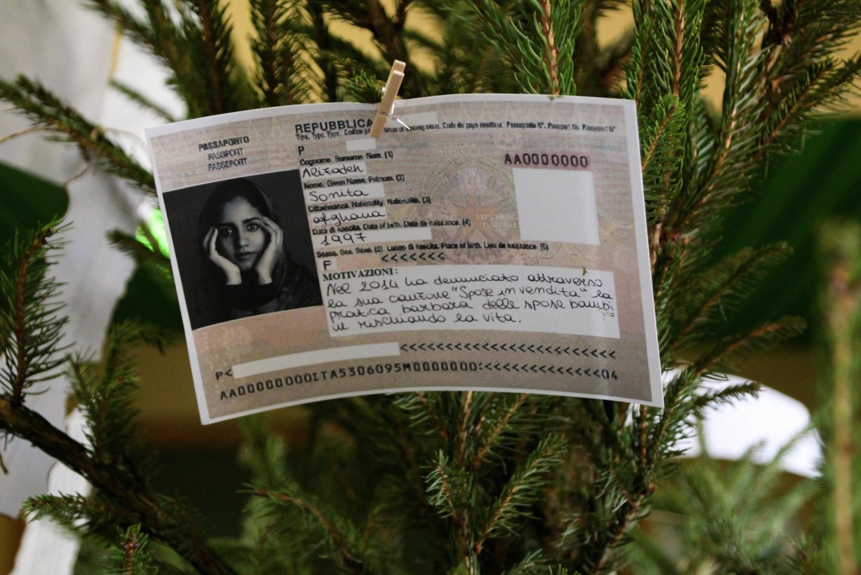 """Il """"passaporto"""" di Sonita Alizadeh"""