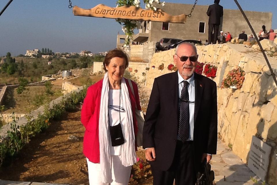 I due co-fondatori di Gariwo Anna Maria Samuelli, responsabile della Commissione didattica di Gariwo, e Pietro Kuciukian, Console onorario d'Armenia in Italia