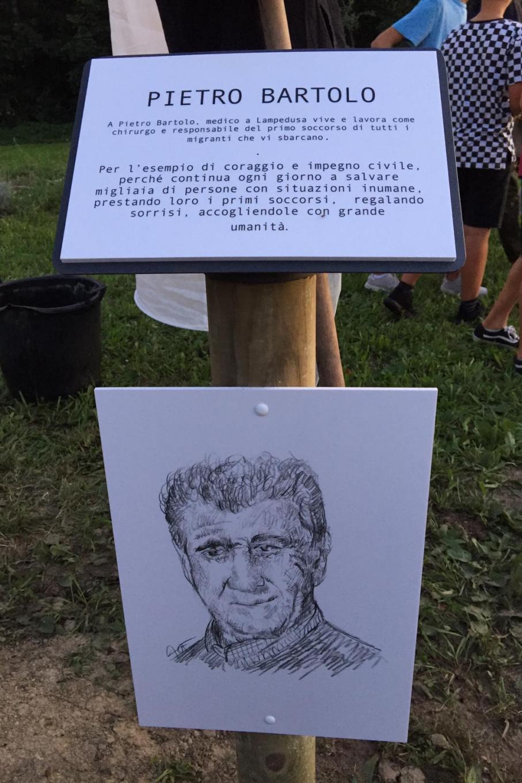 Targa dedicata a Pietro Bartolo