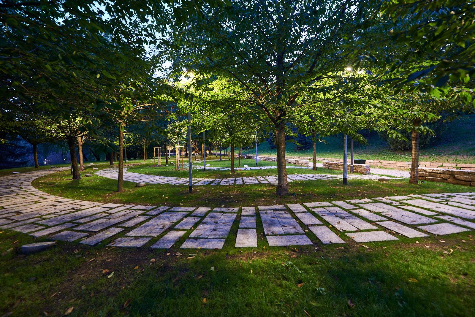 L'area dei cippi. La prima parte del Giardino.