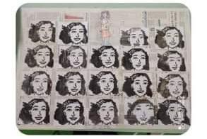 Ritratto di Anna Frank con la tecnica pixel art