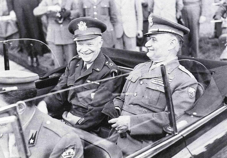 De' Castiglioni (a destra) con il Gen. Dwight D. Eisenhower (a sinistra)