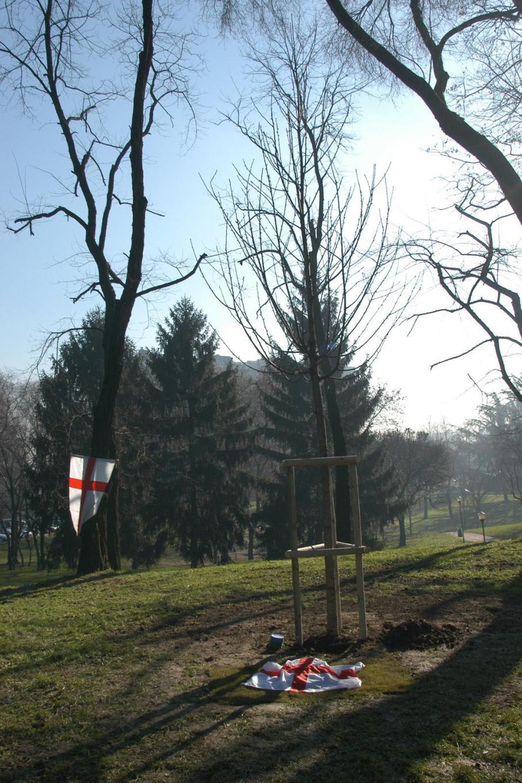 L'albero e il cippo per i Giusti