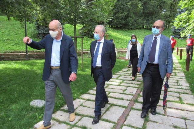 Gabriele Nissim, presidente di Gariwo, Renato Saccone, Prefetto di Milano, Giorgio Mortara, Vicepresidente UCEI