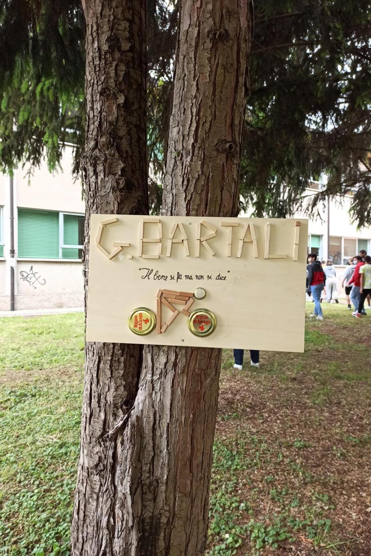La targa dedicata a Gino Bartali