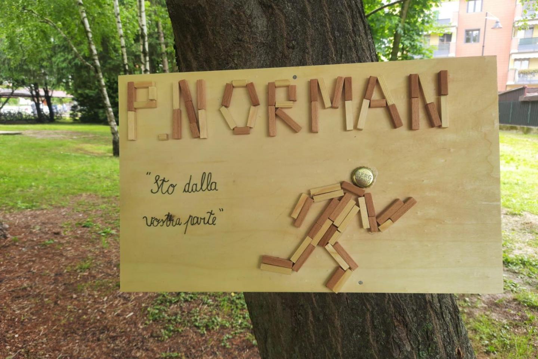 La targa dedicata a Peter Norman