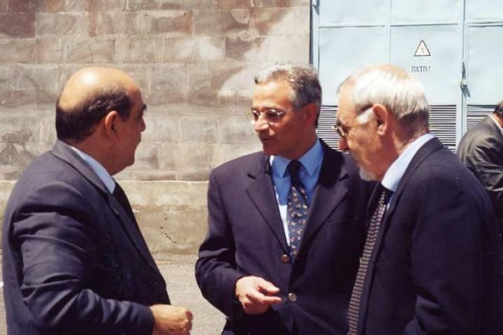 Gli ambasciatori con Pietro Kuciukian al termine della cerimonia