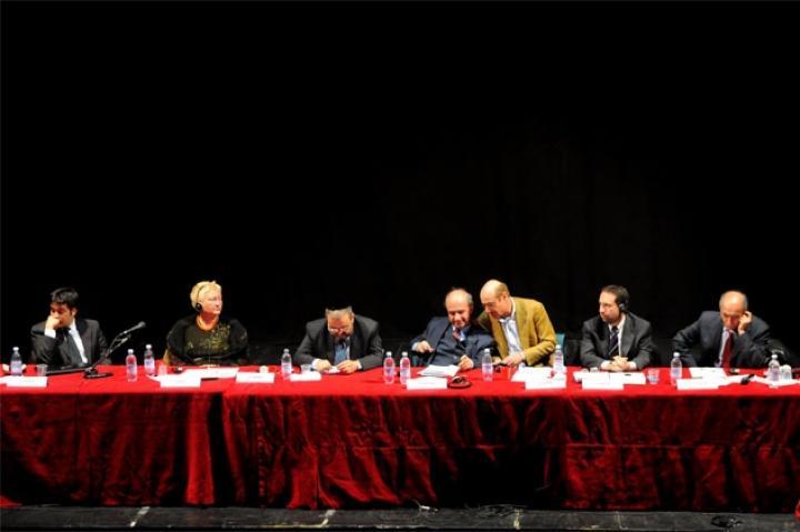 Gli oratori da sx: Nahum, Broz, Rav Arbib, Fertilio, Nissim, Satloff, Kevorkian